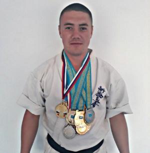 Шинкиокушинкай карате. Тренер Мейрам Козов.